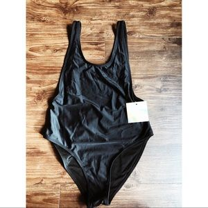 Missguided High Cut One Piece Swimsuit